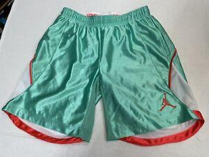 Nike Air Jordan Youth Sport short green size M 10-12