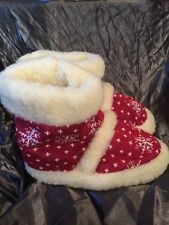 Women's Size 6.5 Merino Wool Slipper Boots. Red With Winter Snowflake Design