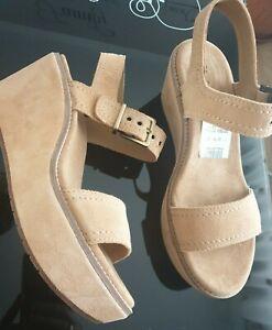 New Clarks UK 5.5  Aisley Orchid Light Tan Artisan Suede Platform Wedge Sandals