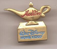 Pin's pin ALADDIN - LAMPE MAGIQUE DU GENIE Disney (ref CL26)