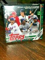 2019 TOPPS WALMART HOLIDAY COMPLETE SET #1 - #200 - SHORT PRINT INCL