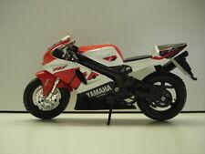 Maisto Die Cast 1:18 Scale Yamaha YZF750 R7 bike - Used