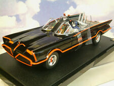 MATELL HOT WHEELS 1/18 CLASSIC 1966 TV BATMOBILE WITH BATMAN & ROBIN FIGURES