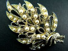Brooch Faux Pearls (Br11) Vintage Style Gold Tone Pin