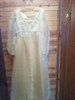 VINTAGE HANDMADE WHITE WEDDING DRESS EARLY 1970'S