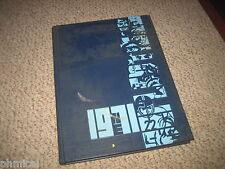 NILES EAST high school HS 1971  Yearbook  SKOKIE illinois nw sub 70 -71