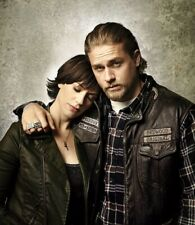 """Charlie Hunnam & Maggie Siff UNSIGNED 10"""" x 8"""" photo - A466 - Sons of Anarchy"""