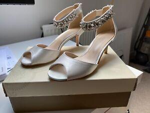 Monsoon Elsa Embellished Bridal Kitten Shoes Size 5 (38)
