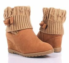 Tan Sweat Yarn Slip On Bendable Shaft Pull-On Womens Wedge Heels Boots Size 8