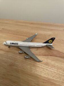 Lufthansa Airlines model plane No 8837 Boeing 747 By Welly , Used Condition