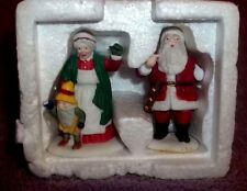 "Dept 56 Heritage Village ""Santa & Mrs Claus"" #56090 Retired Accessory"