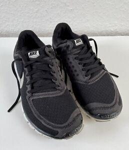 Nike Free 5.0 Turnschuhe Gr. 40 (ISL 25,5 cm) (39) Sneaker Laufschuhe Schwarz