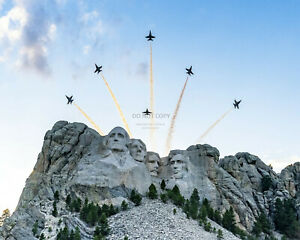 U.S. NAVY BLUE ANGELS FLY OVER MOUNT RUSHMORE DONALD TRUMP - 8X10 PHOTO (RT196)