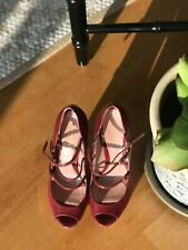 """Auth Gucci """"Lisbeth"""" Pumps in Red Patent Leather Original $795, Size 37"""