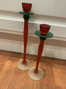 A PAIR OF TALL GLASS DECORATIVE CANDLESTICKS TWO CANDLE HOLDERS GOOD CONDITION