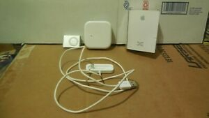 iPod Shuffle 2nd Gen 1GB Bundled with box and Charging Cable And headphones