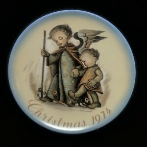 Hummel Christmas Plate 1974 Sister Berta Collectibles Schmid Bros Hook Attached