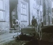 Vendor Pushing a Cart, NO LABEL, Magic Lantern Glass Slide