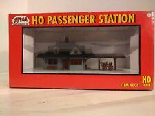Atlas HO Scale Passenger Station #606