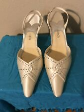 Pre Owned 9.5 M Ivory Silk Slingback Shoes W/Rhinestones 3.5' Heels Have Stains