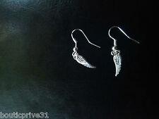 bijoux1 paire de boucles d'oreilles fantaisie métal argenté forme petites plumes