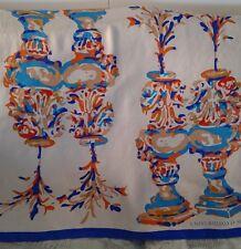 Pañuelo 100% seda con dibujos de jarrones