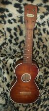Beautiful vintage made in Chicago Harmony ukulele !