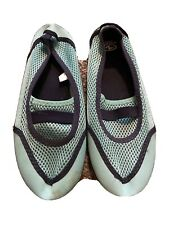 Women's Water Shoes Blue Size 7/8 GUC Athletic Works