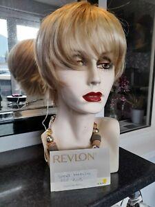 "Revlon Wig "" SENTIMENTAL""  Golden Glaze  Petite"
