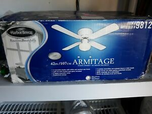 Harbor Breeze 42 in WHITE Flush Mount Indoor Ceiling Fan with Light Kit ARMITAGE