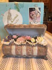 Lladro 1572 Flowers Chest w/ Original Box - Perfect Condition - VERY RARE