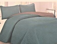 3 Piece Full Quilt Set Reversible Embossed Dark Teal and Charcoal