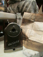 ancienne machine a tailler les crayons dahle 66