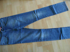 H&M &SQUIN schöne slim fit Jeans Nietensterne Gr. 164 NEUw.   RJ1215