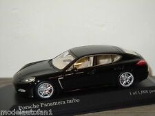 Porsche Panamera Turbo 2010 van Minichamps 1:43 in Box *24285