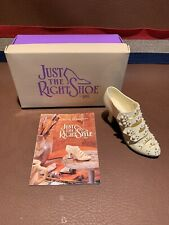 Just the Right Shoe By Raine Promenade Pearls Victorian Pearls Cream