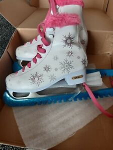 Girls SFR Ice Skates Size 3 with blade guards