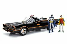 JADA 1/18 CLASSIC 1966 TV BATMOBILE WITH WORKING LIGHTS & BATMAN & ROBIN FIGURES