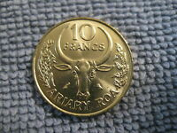 "1989 Madagascar Coin 10 Francs Bovine head  ""F A O""  issue better coin"