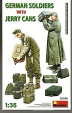 MiniArt WWII German Soldiers (2 Figures) with Jerry Cans in 1/35  286   ST  B5