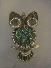 FASHION JEWELRY PEWTER OWL PENDANT WITH RIENSTONES