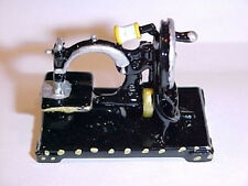 Dollhouse Miniature Hand Crank Tabletop Sewing Machine Miniatures for Doll House