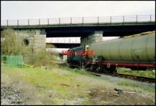 PHOTO  BARRY SHUNTER CLASS 08 DIESEL HAULS WAGONS FROM DOW CORNING VIA THE LOW L