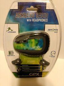 GPX Jogger Armband AM/FM Radio with Headphones - New/Sealed
