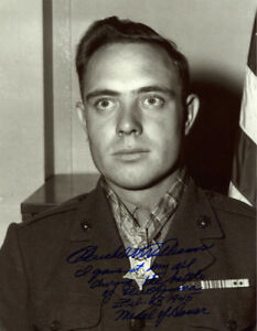 HERSHEL WILLIAMS SIGNED 11x14 PHOTO HUGE INSCRIPTION MEDAL OF HONOR BECKETT BAS