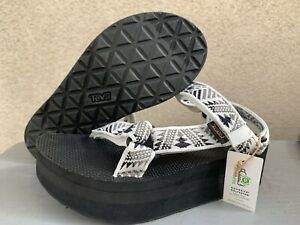 TEVA Women's Flatform Universal Sandal - White / Black - NWT - Size 8 - MSRP $64