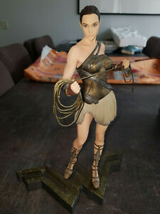 Extremely Rare! DC Comics Wonder Woman Figurine LE of 5000 Statue