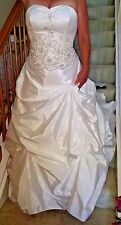 David's Bridal Ivory Sequined Pearl Bead Ruching Petticoat Wedding Dress Size 12