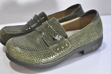 Alegria by PG Lite Womens green leather clog shoes size EU 42