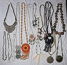 30S/80S VINTAGE ETHNIC NECKLACES 14 IN TOTAL MIXED STYLES & COLOURS GROUP A